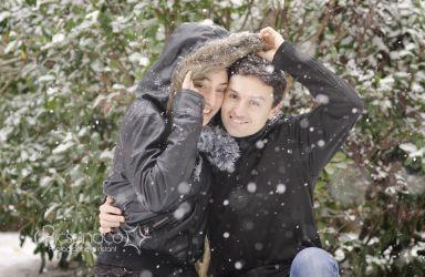 Une séance en hiver et sous la neige pour ce couple