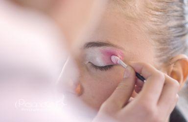 La préparation d'une athléte passe aussi par l'étape maquillage