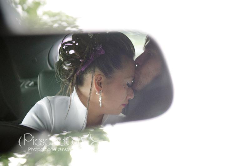 Séance improvisée dans la voiture des mariés