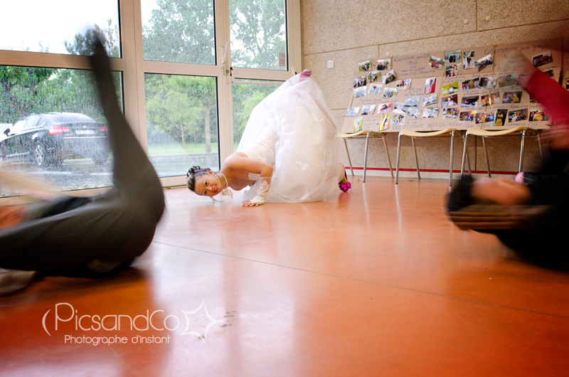 """Danse de quelques """"b-boys"""" avec la mariée !"""