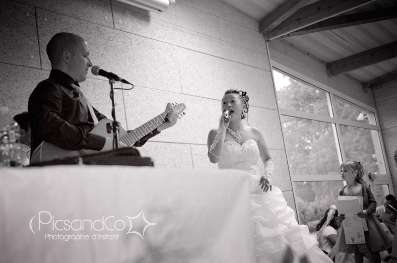 La mariée est aussi la chanteuse du groupe Dodge
