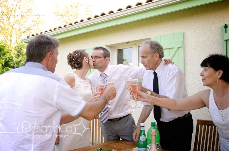 Apéritif entre amis pour célébrer le Mariage