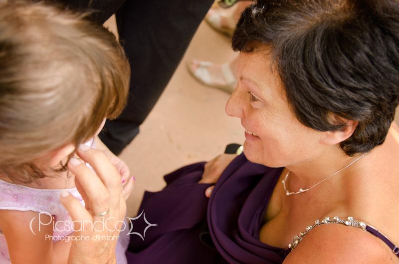 Arrivée des familles et amis au mariage à Montauban