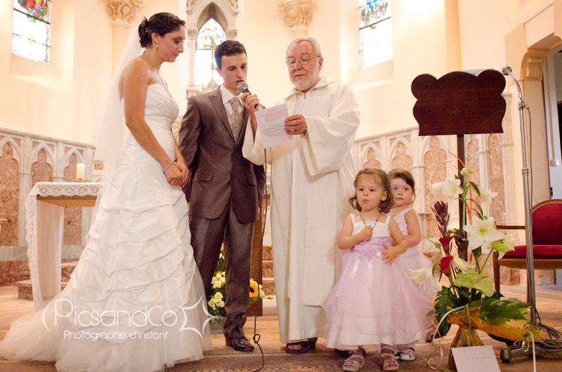 Echange des voeux pendant la cérémonie religieuse du mariage