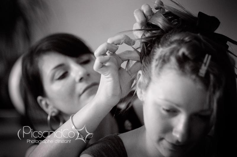 La mariée est coiffée par Julie d'Atmosp'hair et reportage photo PicsandCo