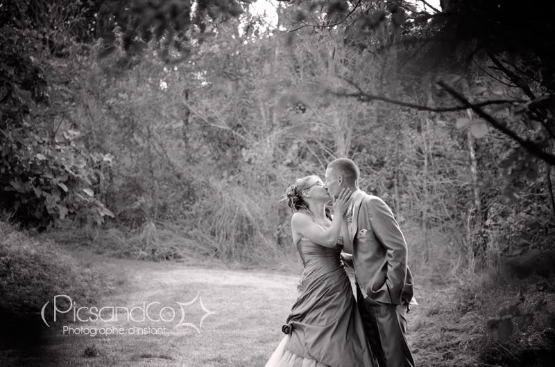Photo de couple sur les hauteurs de Montferrand dans l'aude