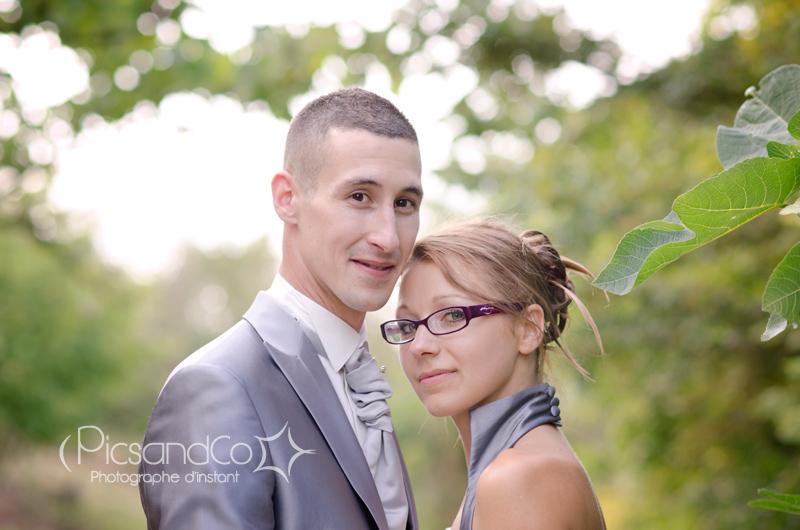 Portrait photo du couple sur les hauteurs de Monferrand - Aude