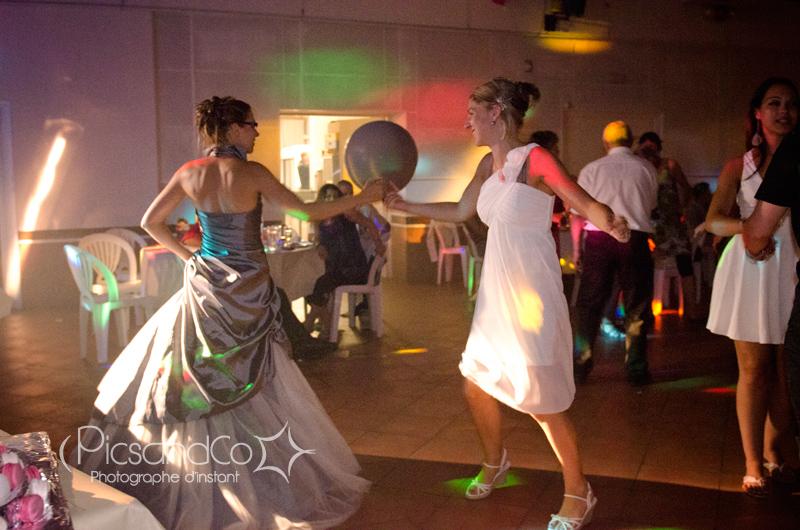 La soirée du mariage sous les lumières des projecteurs !