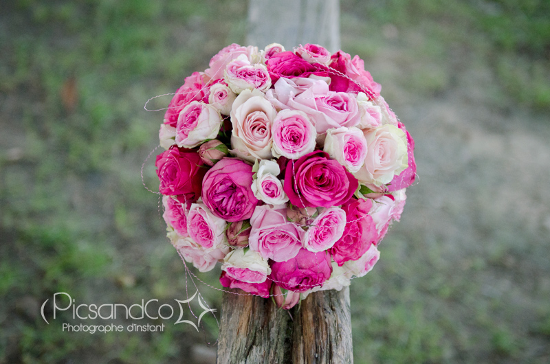 Bouquet de roses pour une mariée élégante