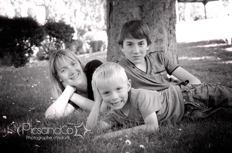 Portrait photo de famille au parc de Villefranche de Lauragais