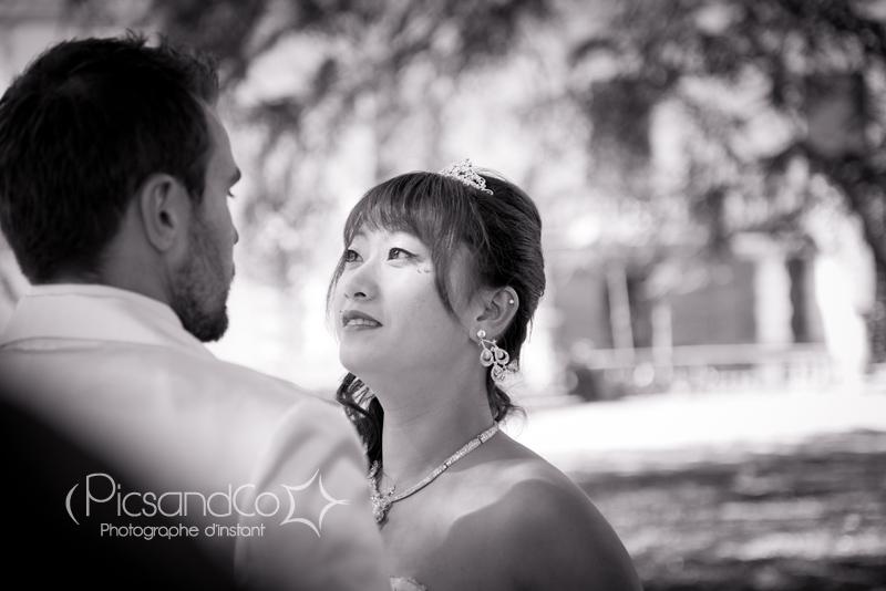 Portrait de la mariée dans le parc de Castres