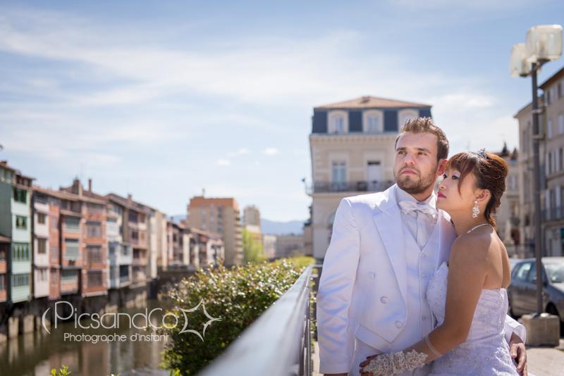 Portrait des mariés sur les berges de Castres